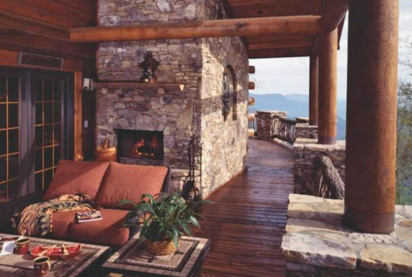 A Porch is the Most Popular Amenity of Log Home Owners