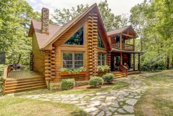 Advantages of Log Homes vs Conventionally Framed Homes
